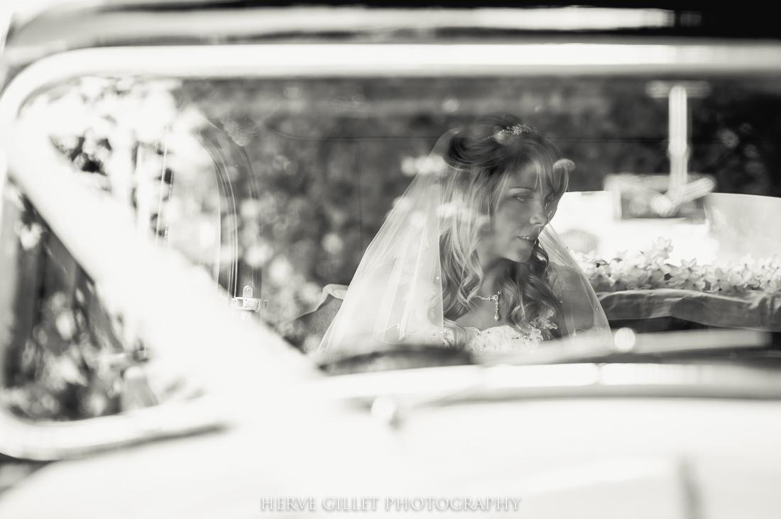 bride and the wedding car