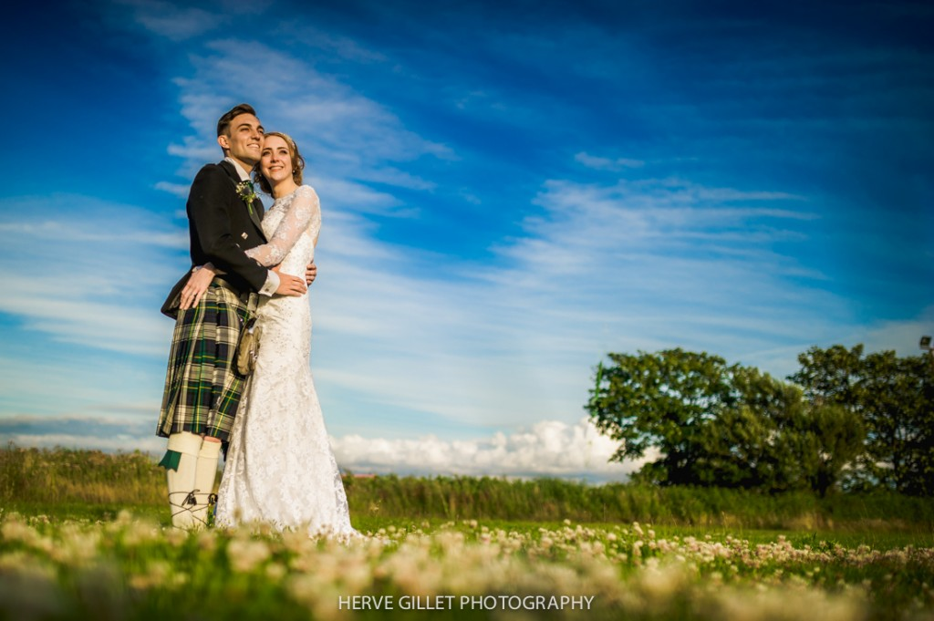 bride and groom sunset landscape