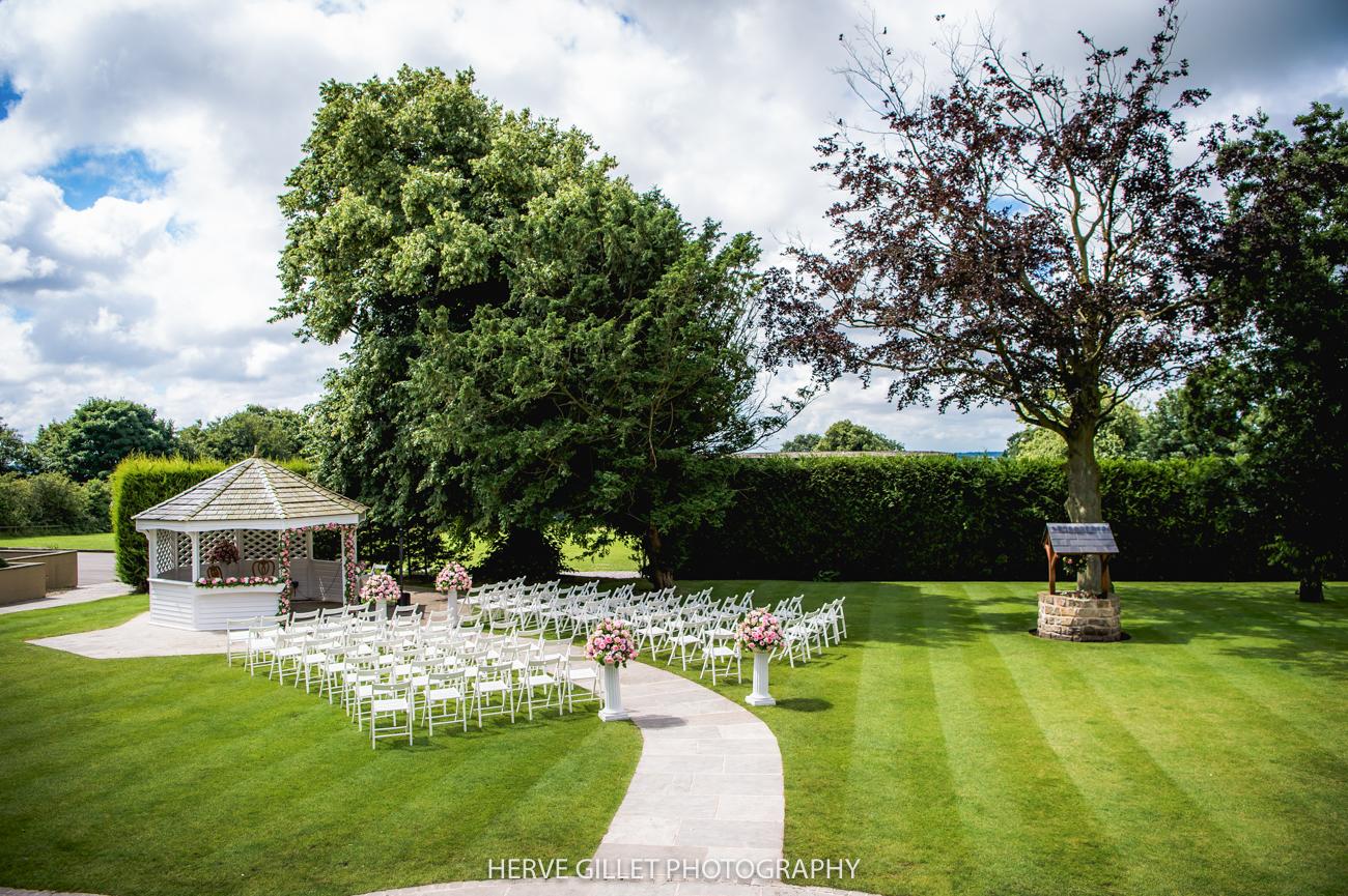 West Tower garden la pagoda wedding photography